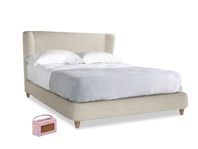 Kingsize Hugger Bed in Shell Clever Laundered Linen