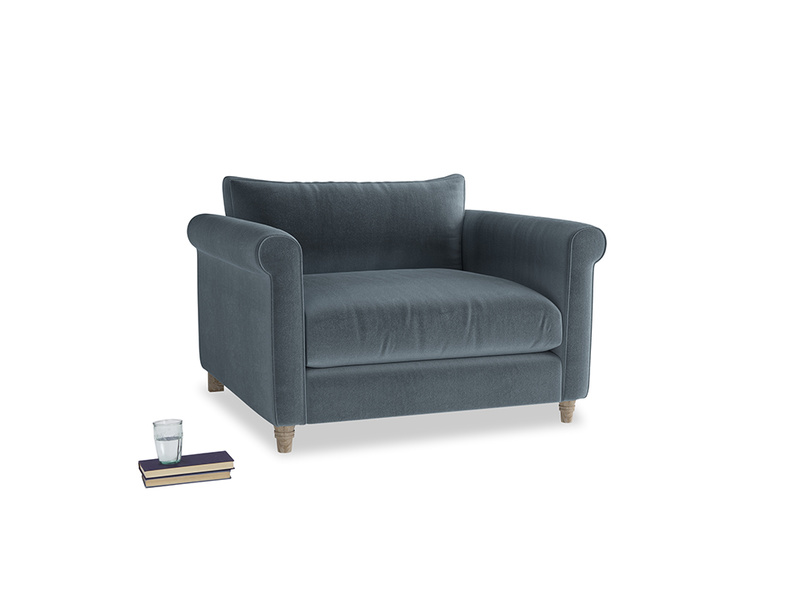 Weekender Love seat in Odyssey Clever Deep Velvet