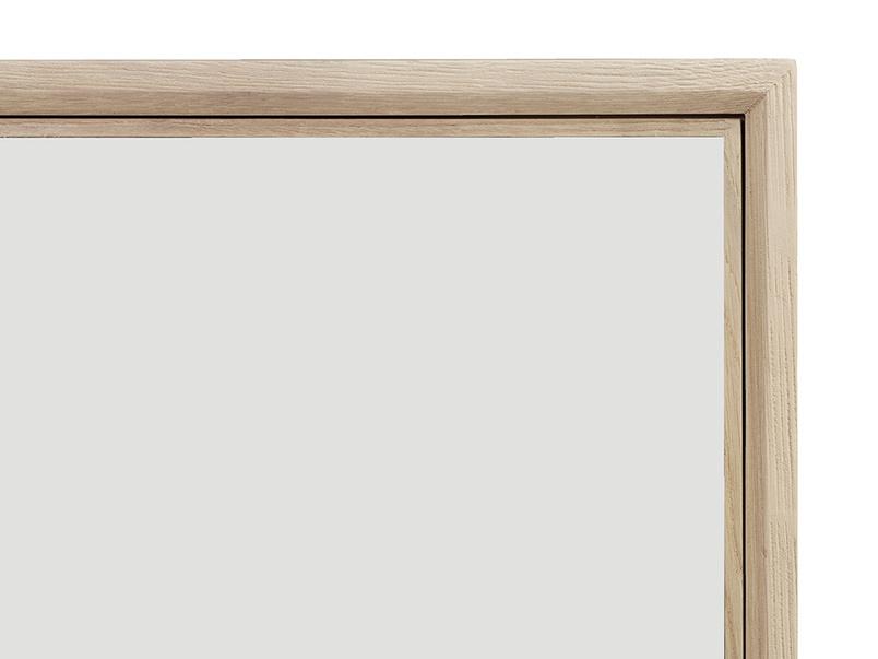 Grand Trixie mirrored wardrobe corner detail