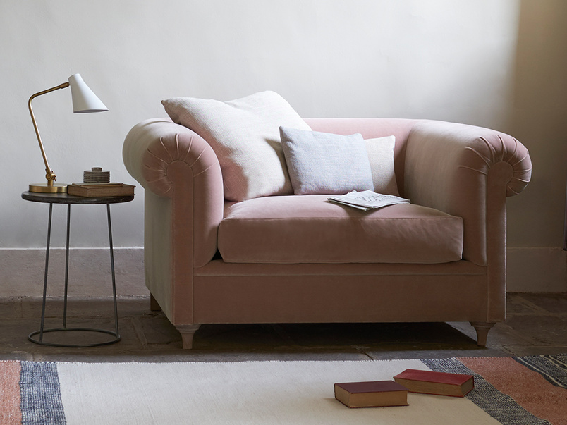 Humblebum roll arm elegant love seat