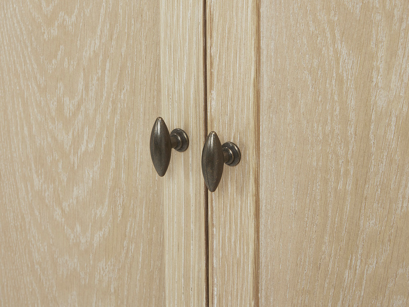 Valentine Solid Oak Wardrobe Door detail