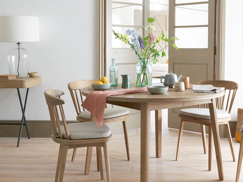 Parquet Pie Extendable Wooden Table