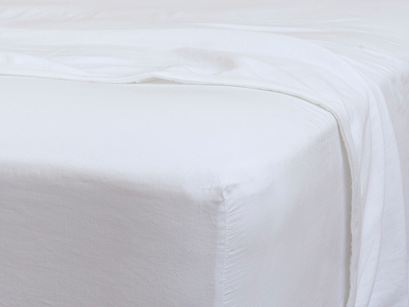 Superking Tumbled Cotton Fitted Sheet in White
