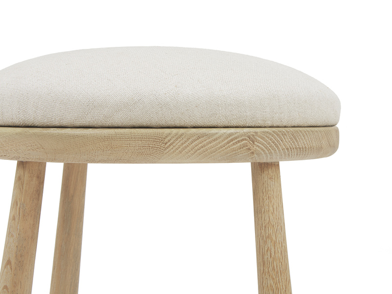 Booty kitchen stool cushion side