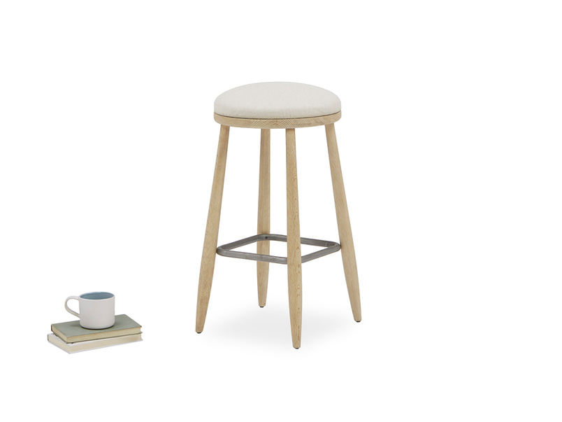 Booty wooden oak kitchen breakfast stool