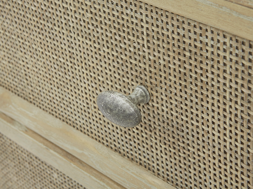 Willow Chest of Drawers Handle Detail