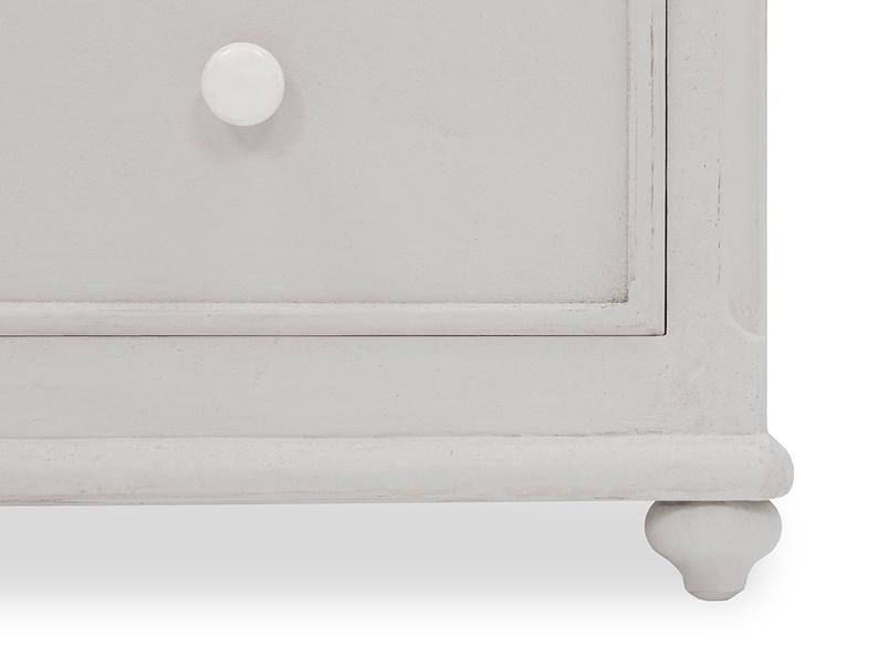 Popinjay 5 drawer chest of drawers corner detail