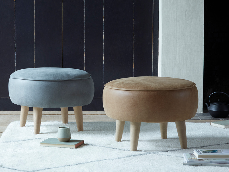 Footoggle small round footstool