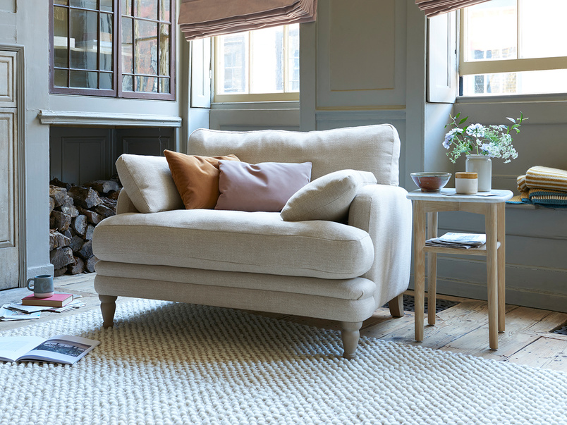 Squisharoo snuggle chair in Shell laundered linen