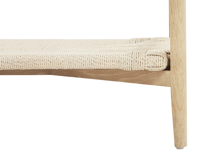 Keepsake glass and wicker coffee table - shelf detail