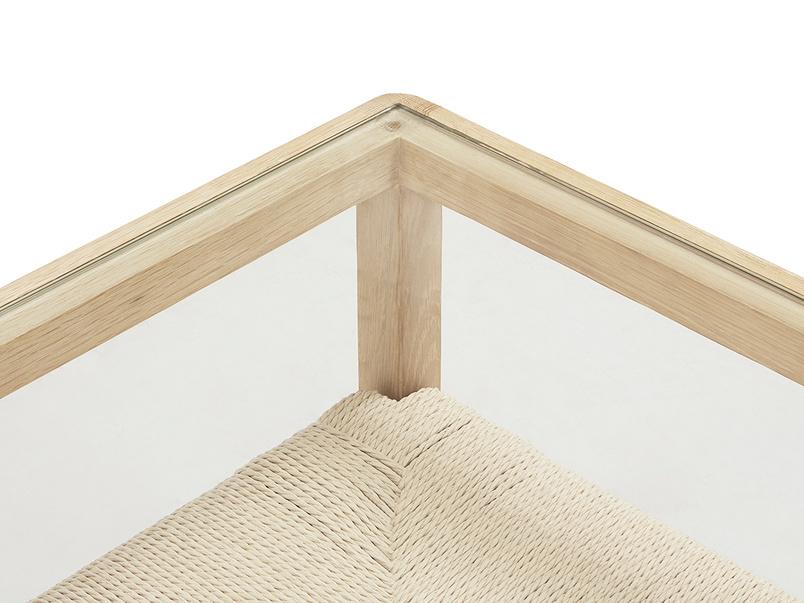 Keepsake glass and wicker coffee table - top detail