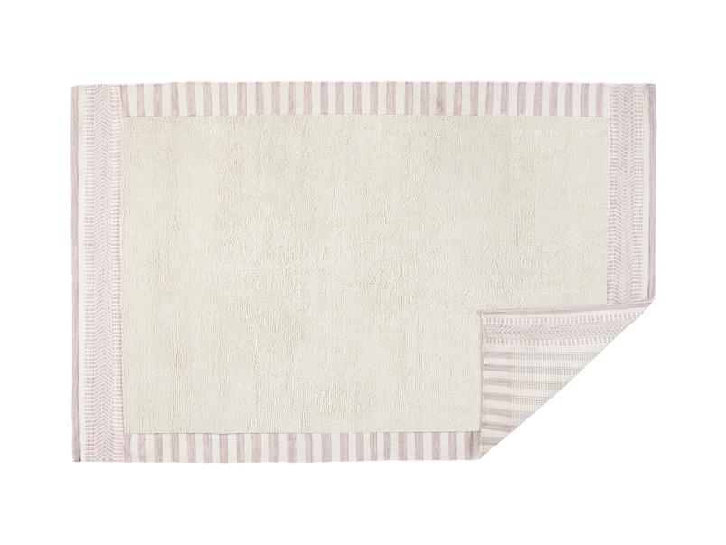 Loom handmade fluffy rug in Dusty Pink