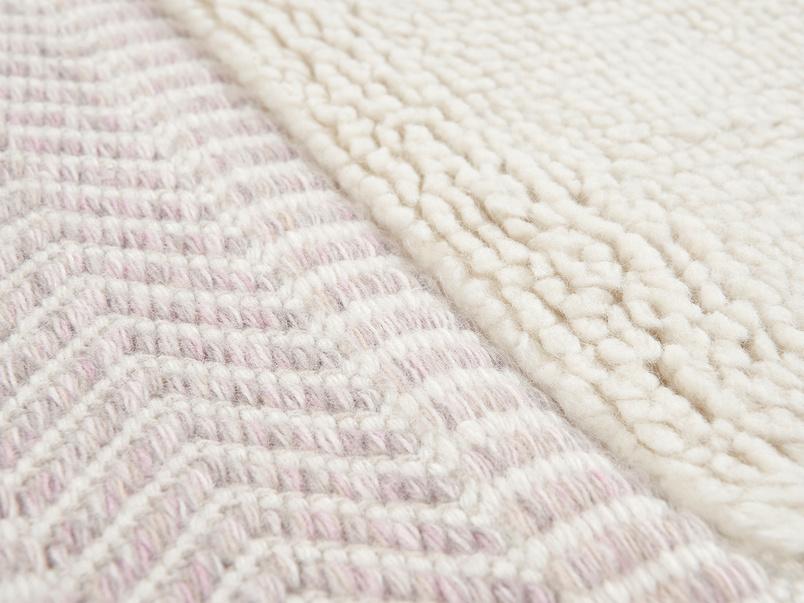 Loom living room rug in Dusty Pink