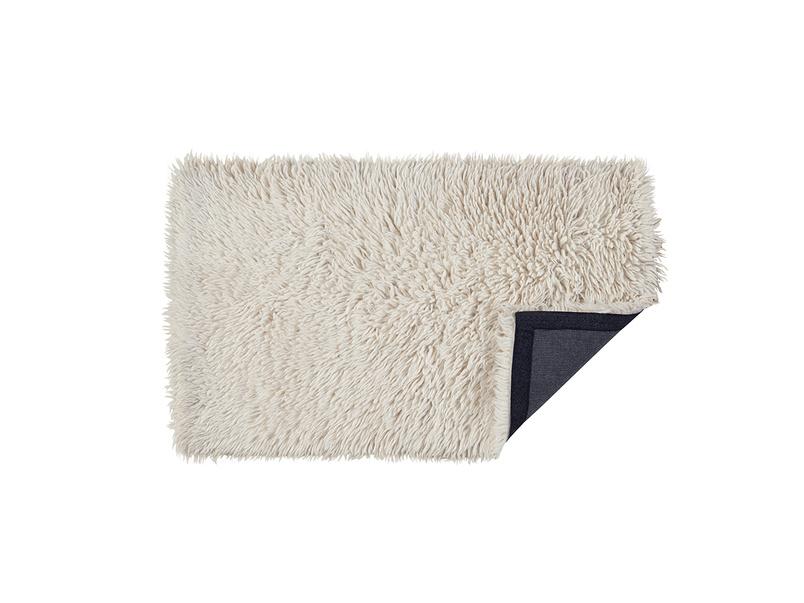 Wilder fluffy bedside rug in Natural