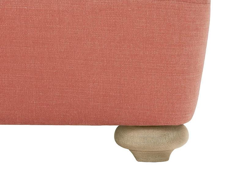 Smooch chaise sofa front leg detail
