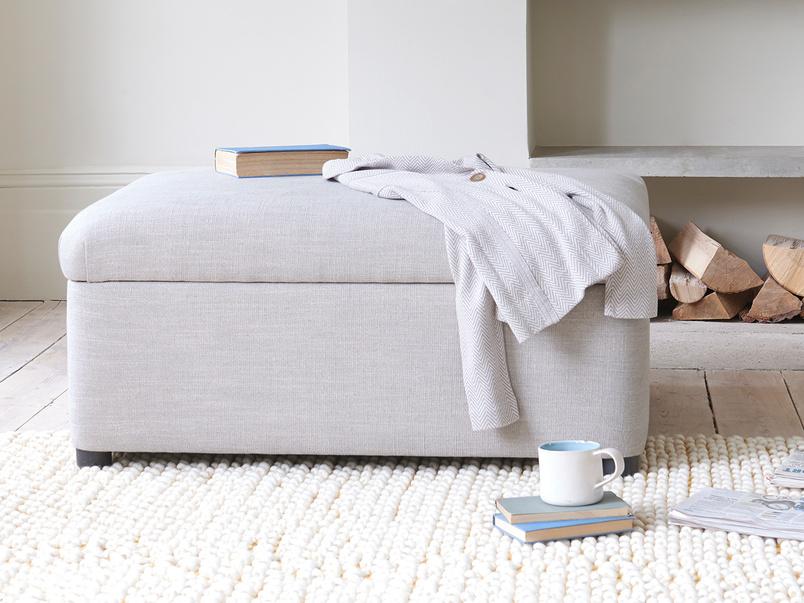 Bed in a bun sofa bed foostool
