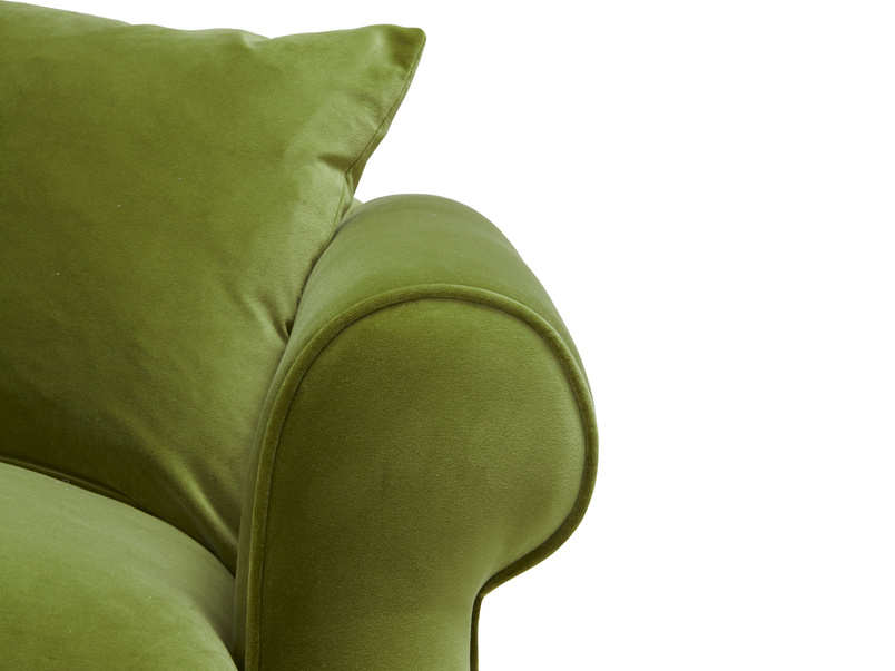 Traditional deep and comfy Sloucher classic love seat