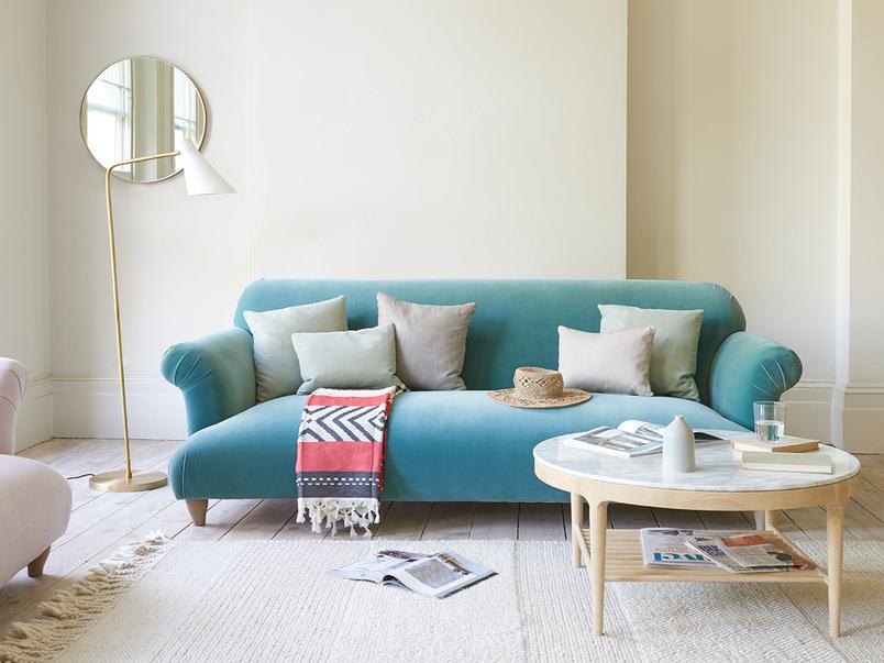 Souffle comfy upholstered modern sofa