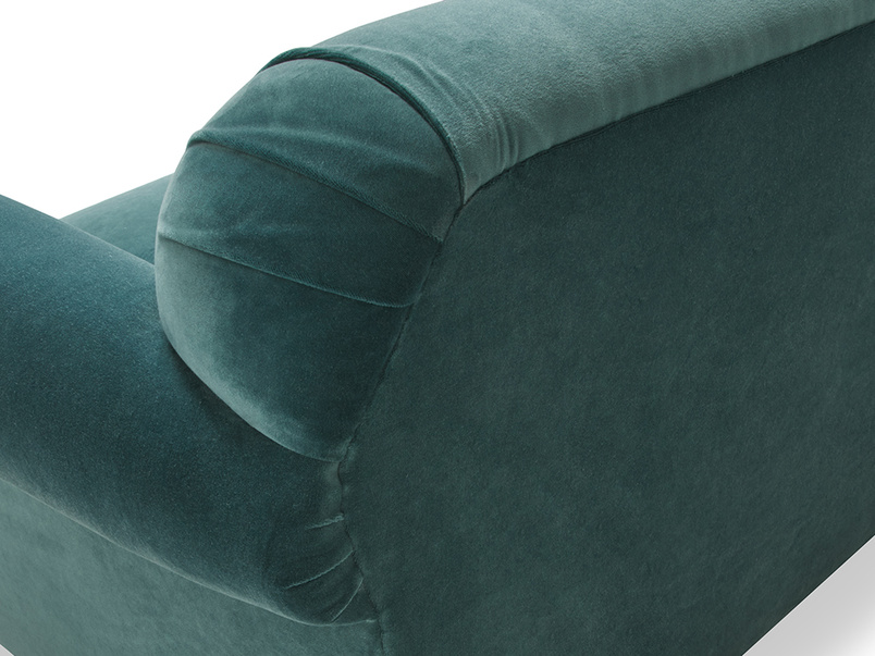 Souffle sofa upholstered detail