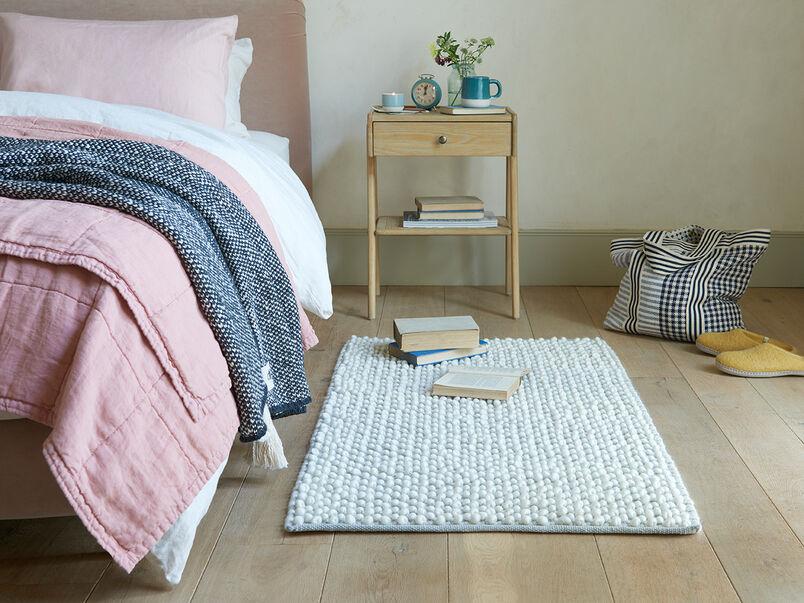 Bobble bedside rug in Grey