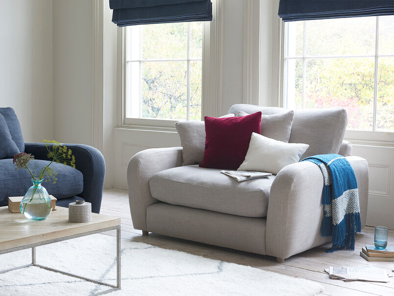 Easy Squeeze comfy love seat