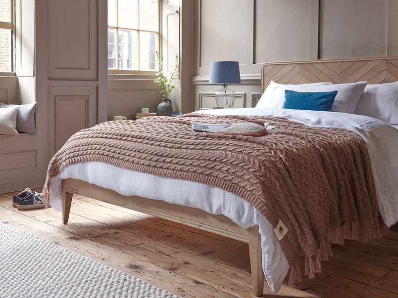 Chunky Knit throw in Rusted Rose