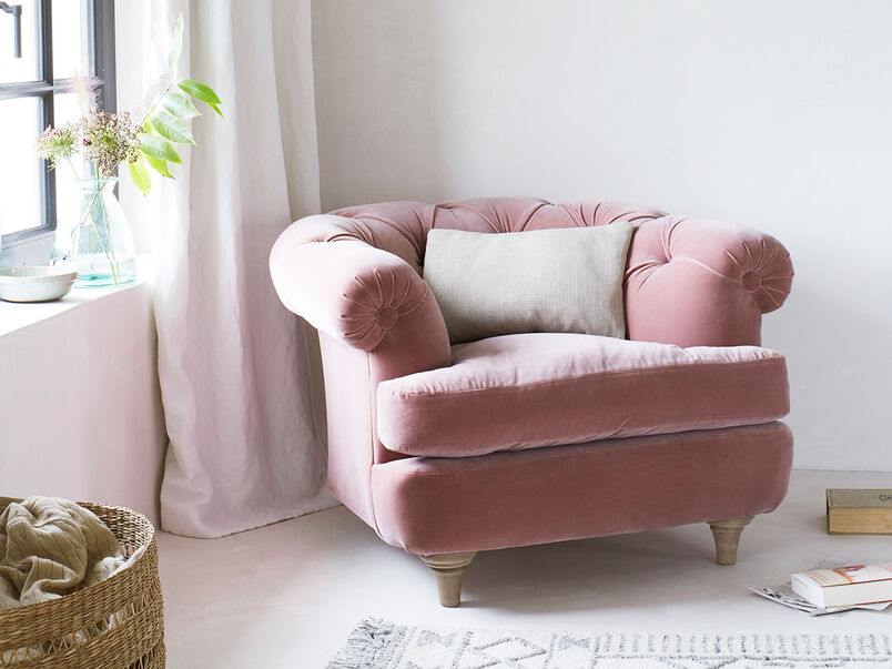 Swaggamuffin Chair in Chalky Pink Vintage Velvet