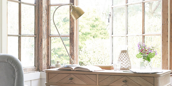 Fab Flapper small wooden desk with gaston desk lamp