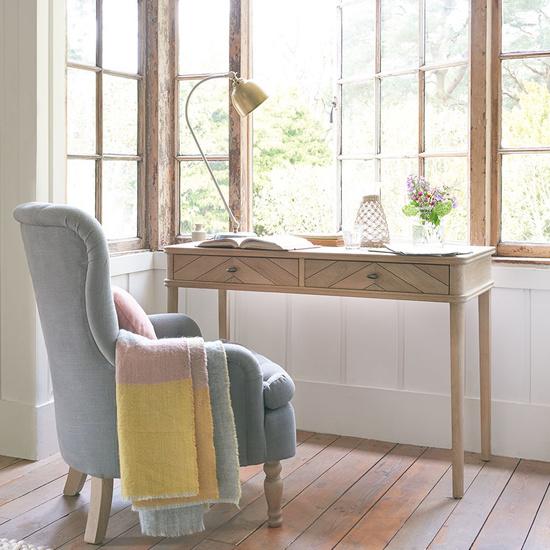 Fab Flapper small wooden desk