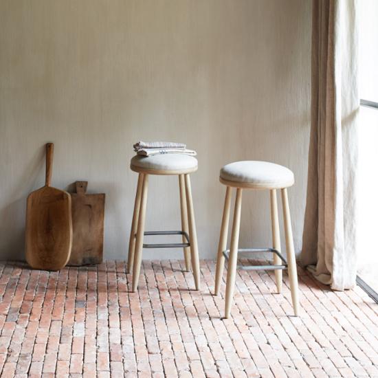 Booty kitchen stools