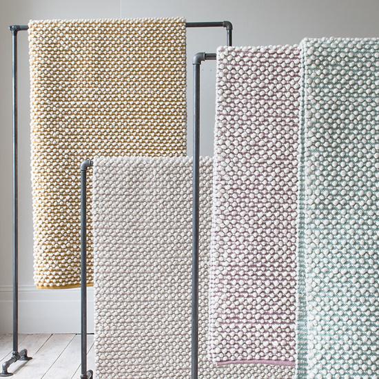 Bobble woven floor rugs