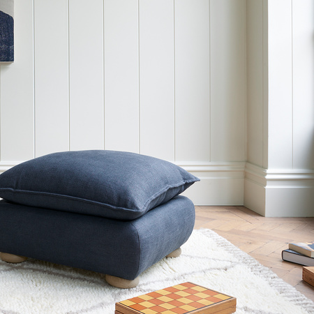 17 02 Munch square footstool
